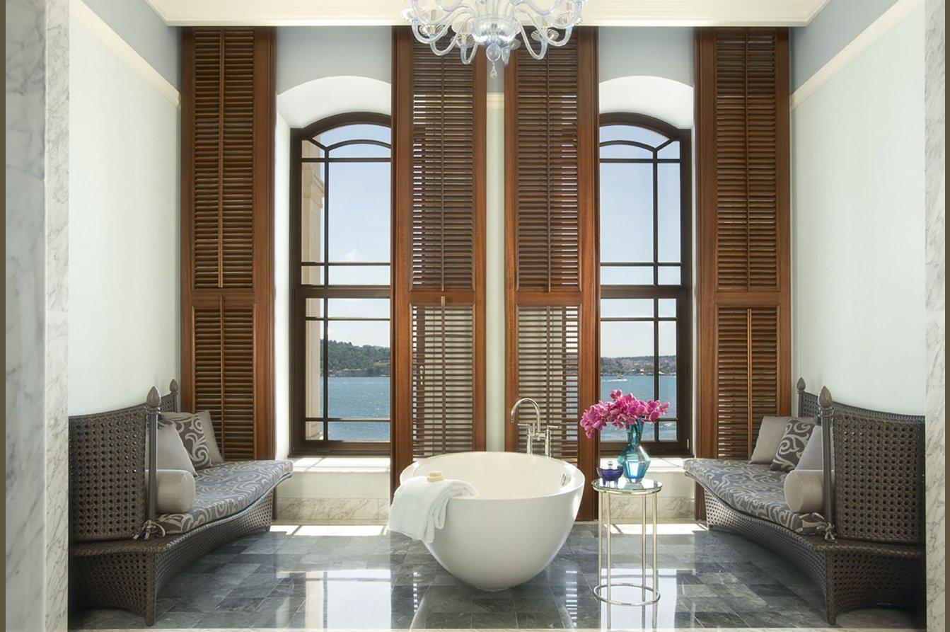 Four Seasons Hotel Istanbul at the Bosphorus Image 8