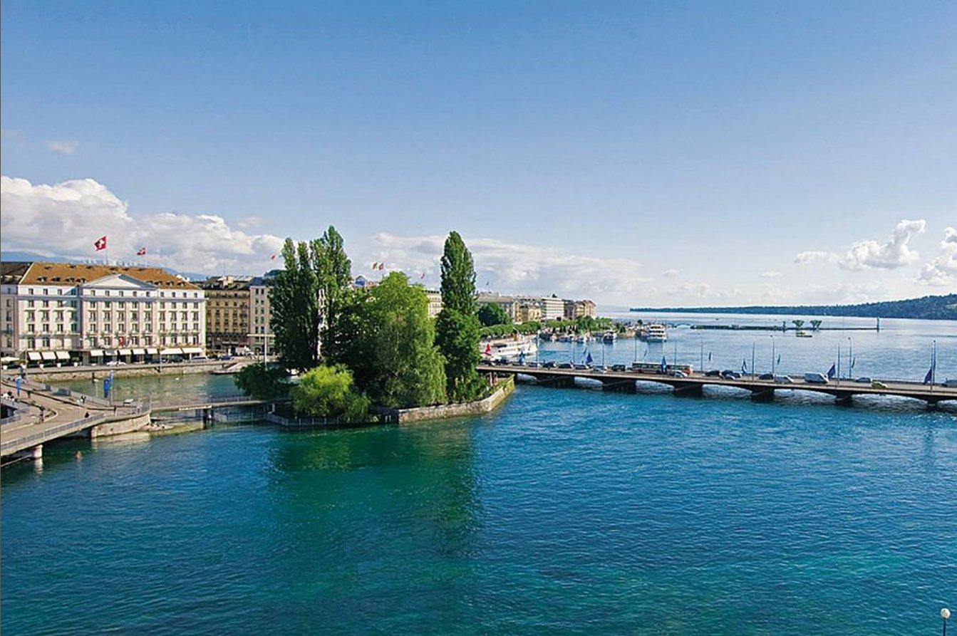 Four Seasons Hotel Des Bergues Geneva- Spa Mont Blanc & Izumi Restaurant Image 1